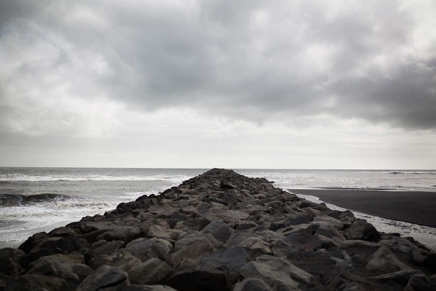 Black Sand Beach - Island - Candice Lesage